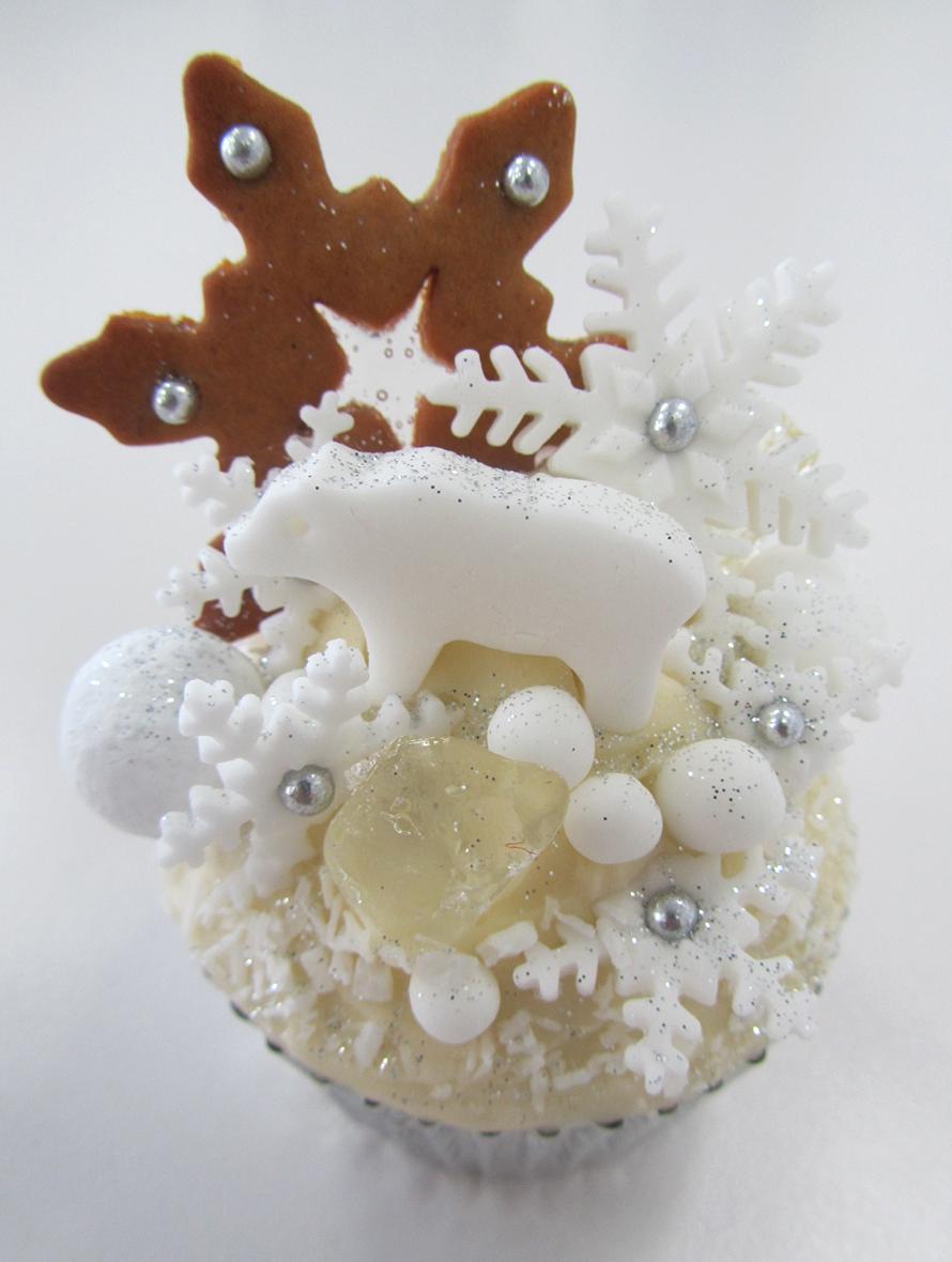 arctic polar cupcake