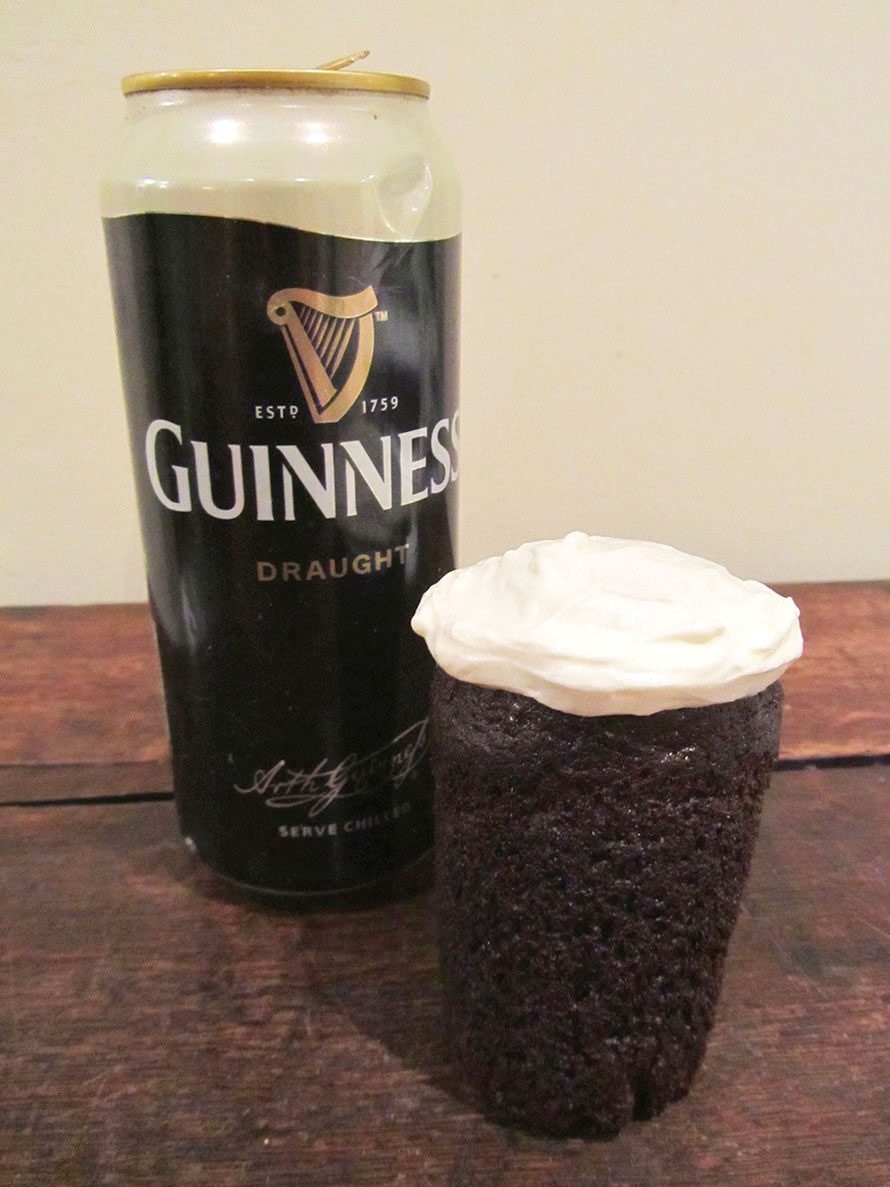 pint-sized-guinness-cake